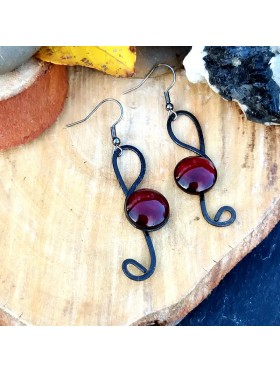 Music Note Shape BCN Earrings - Deep Red