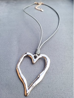 Heart Rose Gold Pendant Leather Necklace