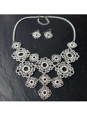 Silver flower crochet set