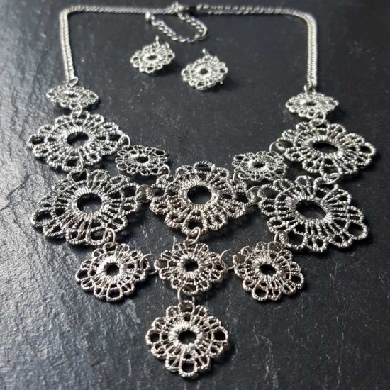 Dark silver flower crochet set