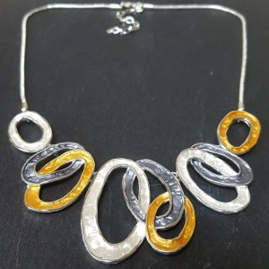 Enamel 3 colour loop Necklace