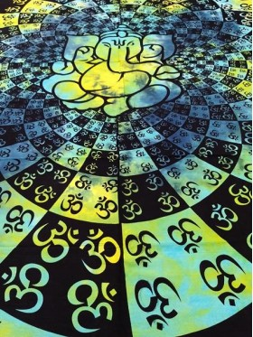LARGE-Om-Ganesh-Wall Hanging-Tapestry-Throw-Bed Sheet-Fair-Trade-100%-cotton-Tapestries-Tie-Dye